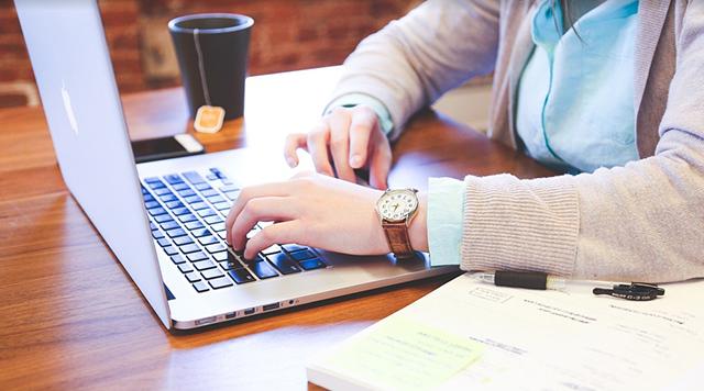 5 afaceri de succes pe care le poti face de acasa