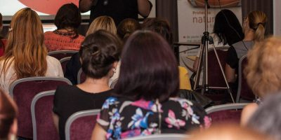 Speaker Femei de cariera – Despre antreprenoriat si succes in afaceri: Dana Nae Popa (pastel)