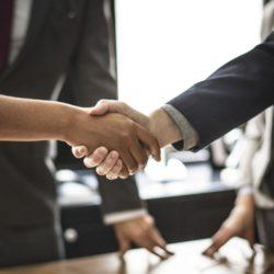 10 modalitati de comunicare diferite intre femeile de afaceri si barbatii de afaceri